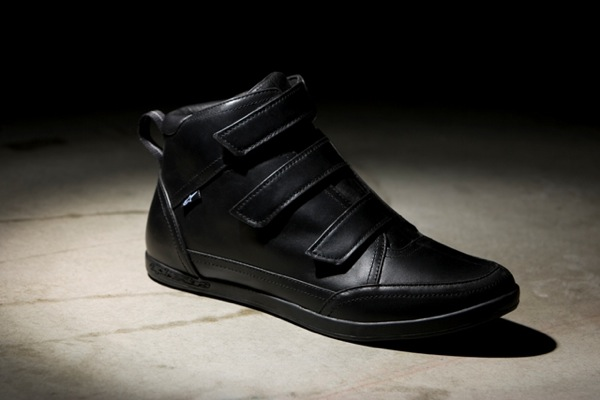 velcro_leather_blk