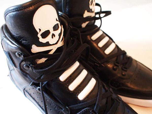 adidas high tops black. park with these high tops.