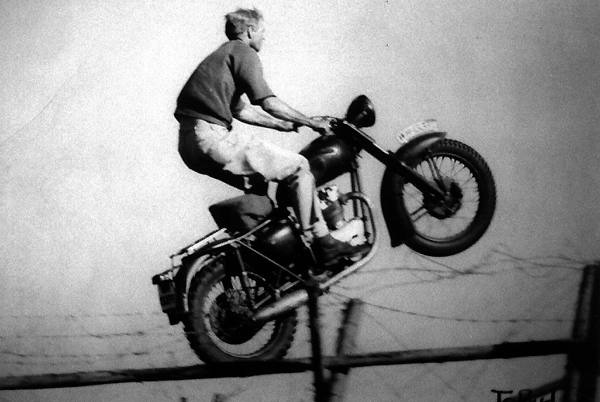 Steve McQueen having some fun on his Triumph Trophy TR6 during filing ...