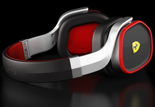 Scuderia_Ferrari_R300_Headphone-