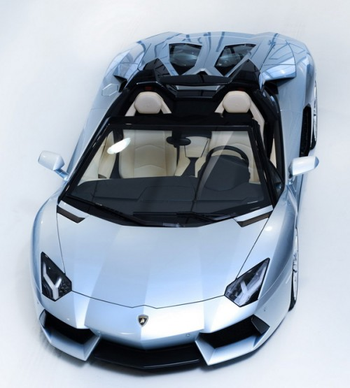 Lamborghini-Aventador-LP700-Roadster
