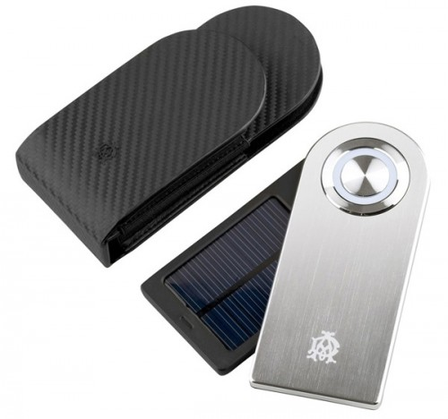 dunhill-solar-charger