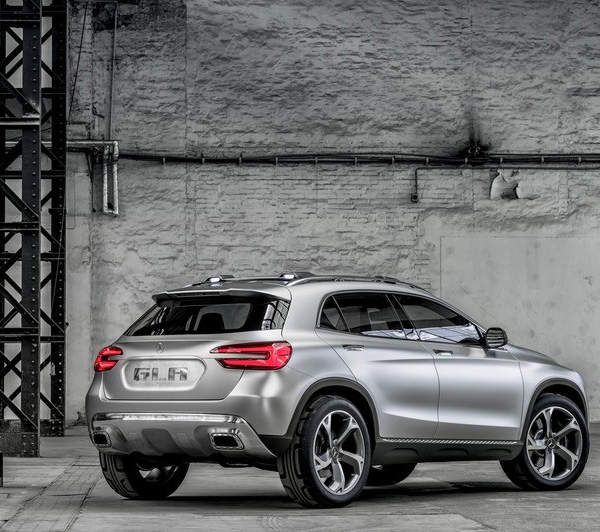 Mercedes Benz Gla Concept The Cla Crosses Over Goes