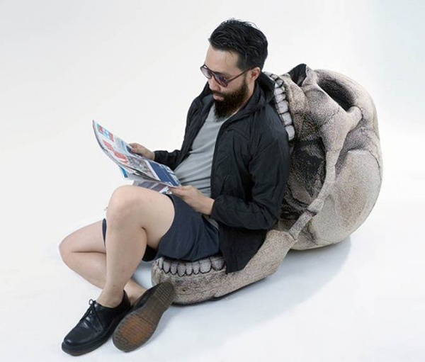 chic-sin-skull-chair