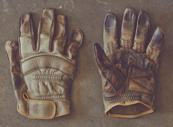 deus-gripping-gloves